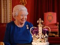 Movistar continua muy británica y adquiere la serie 'Vanity Fair' y el documental 'The Coronation'