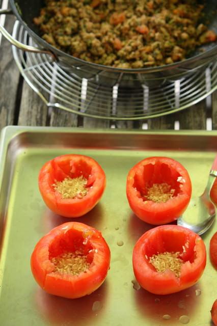 les tomates farcies de ma maman ma p 39 tite cuisine. Black Bedroom Furniture Sets. Home Design Ideas