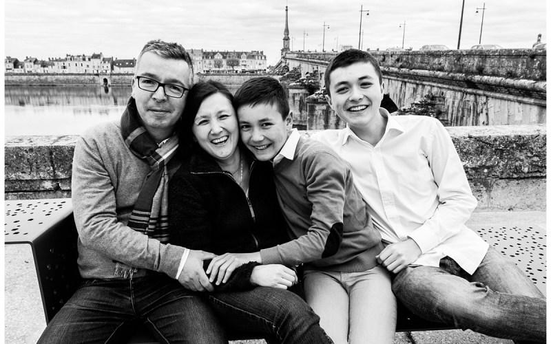 Séance famille dans les rues de Blois
