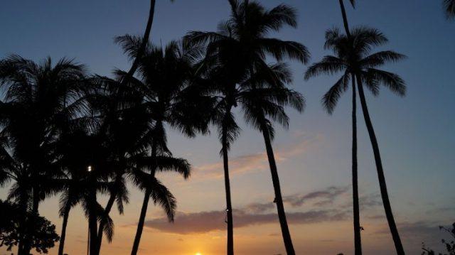 Sonnenuntergang auf Hawai'i mit Festgeldkonto