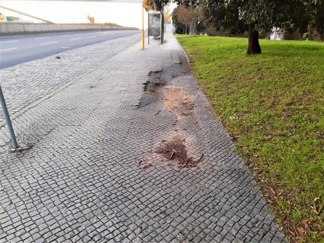 Lissabon mit Handicap - Fußwege mit Steinchen