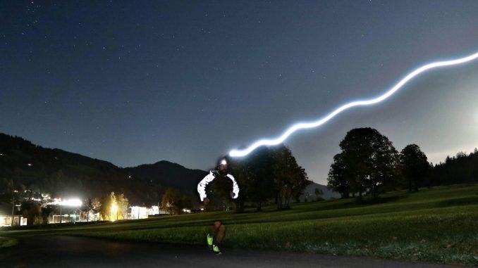 dunklen, trailrunning, laufen, strinlampe