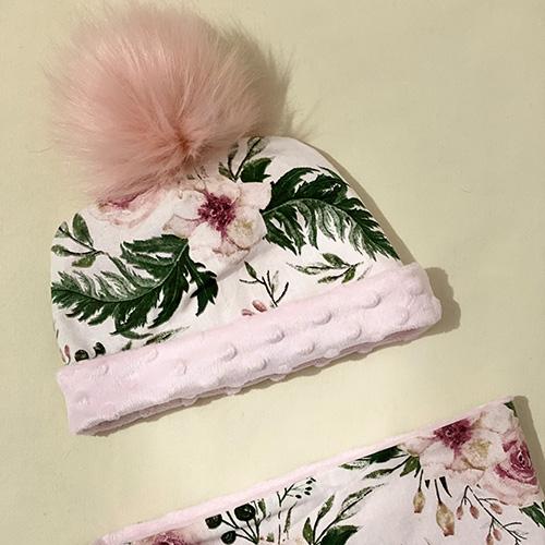 Bonnet à pompon Motif fleurs roses personnalisé