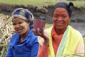 Zwei Frauen in Bulungula in Südafrika