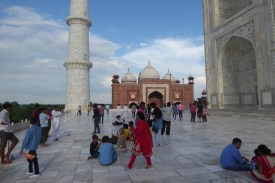 Indien_Agra_Taj_Platz