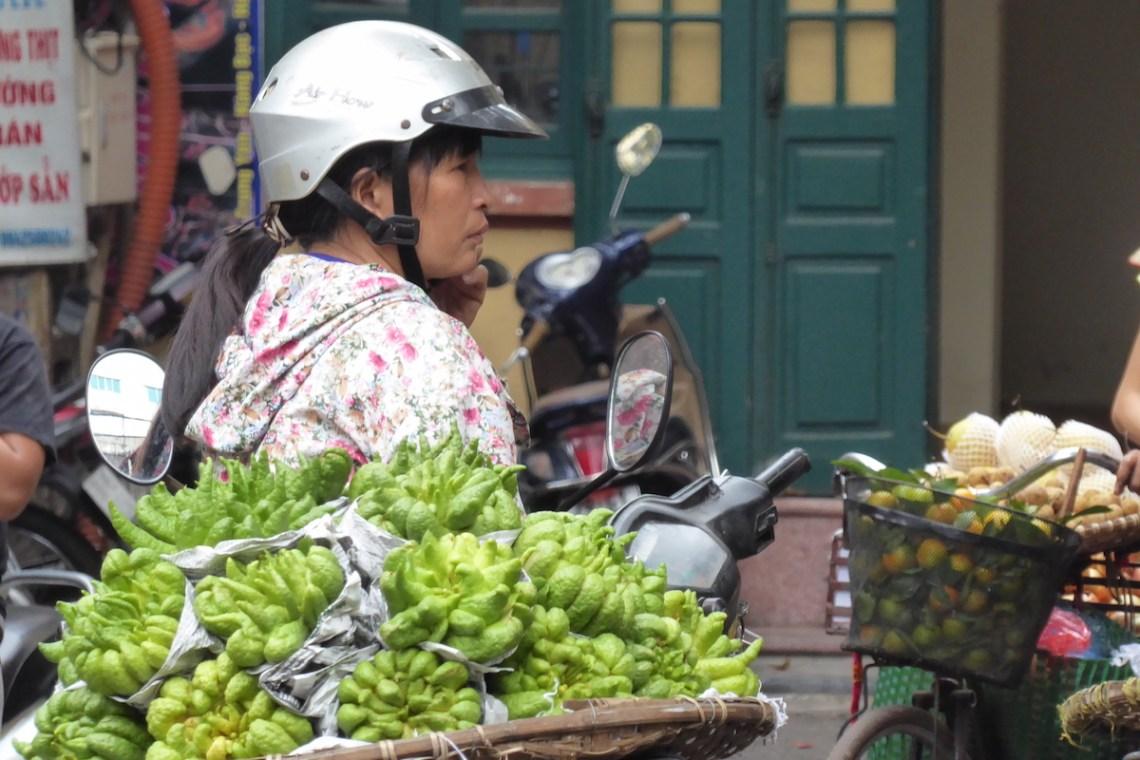 Hanoi Straße Gruenzeug | aufmerksam reisen