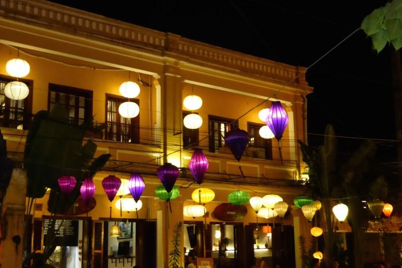 vietnam_hoian_strasse_nachts