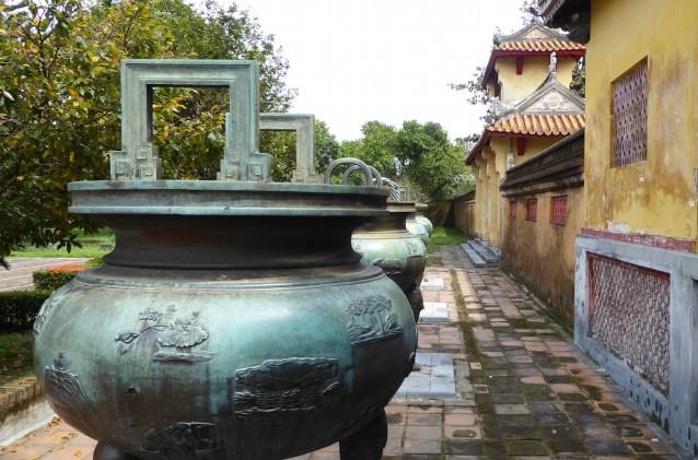 vietnam_hue_urnen