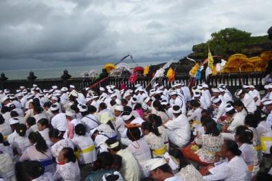 Bali-TanahLot-Zeremonie