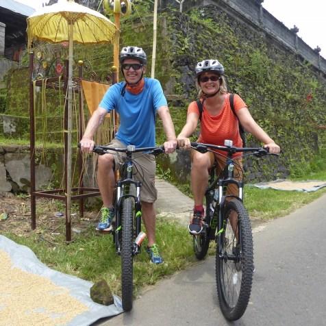 Bali-Mountainbiketour-Crew
