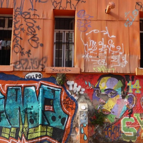 Chile-Valparaiso-Streetart-orange