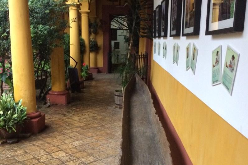 Mexiko-NaBolom-Gang-mit-Boot