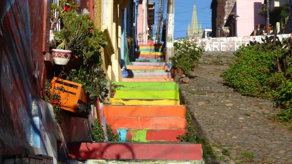 bunte Treppen in Valparaiso in Chile