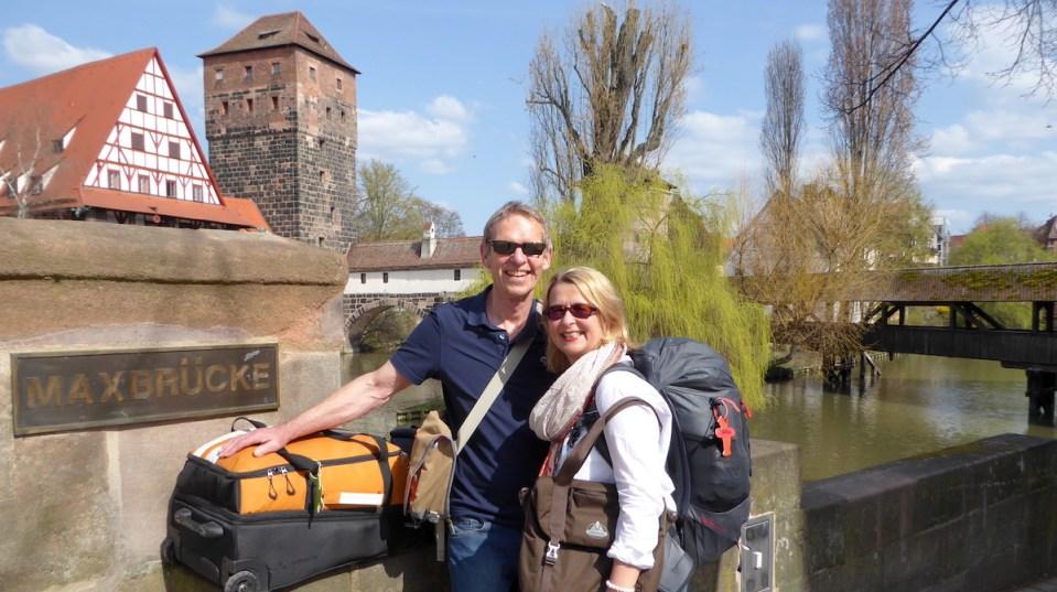 Wolfgang Eckart und Elke Zapf in Nürnberg kurz vor ihrer Weltreise