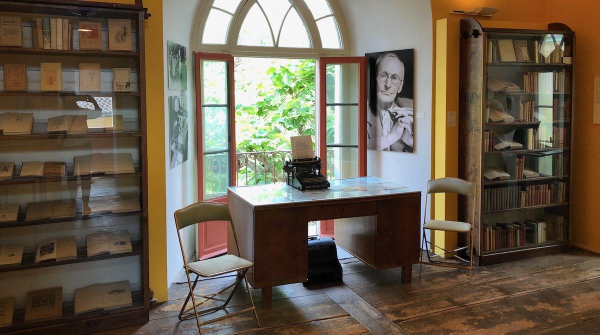 Arbeitszimmer und Schreibtisch von Hermann Hesse