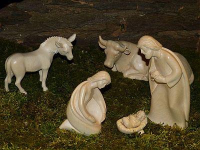 Warum stehen Ochs und Esel an der Krippe?