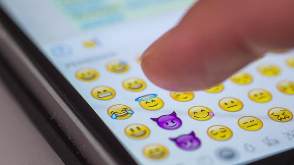 Smiley Emoticon Daumensignal Danke Herunterladen Png Pngegg