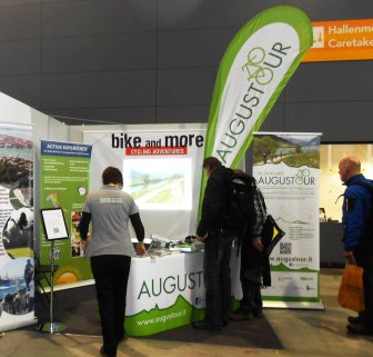 Augustour-Messestand_3
