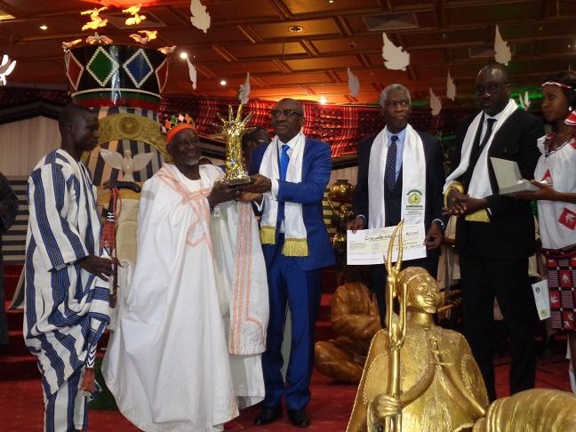 Prix Macky Sall pour le dialogue en Afrique : Le Mogho Naaba Baongho distingué
