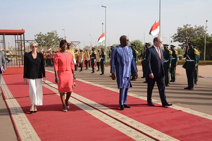 Coopération Burkina Faso-Monaco : Le couple princier reçu au palais de Kosyam