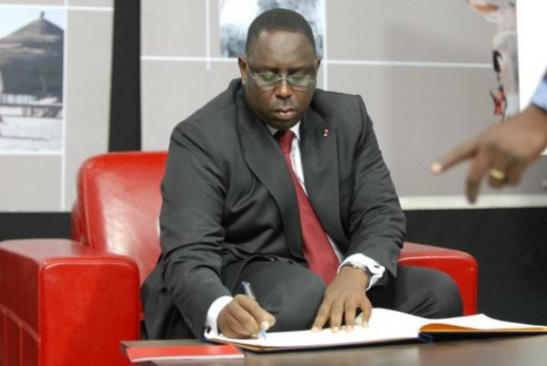 Loi électorale au Sénégal: Macky Sall écarte les saltimbanques et ses…adversaires