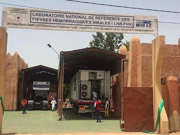 Laboratoire mobile du Centre Muraz : Inauguration d'un laboratoire viral