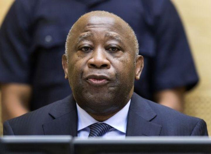 Renvoi du procès Laurent Gbagbo au 12 novembre: 45 jours pour compulser 11 000 pages d'accusations