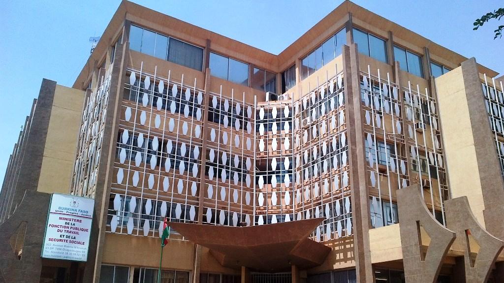 Ministère de la Fonction publique: Hommage rendu à 75 nouveaux retraités (SOCIETE)