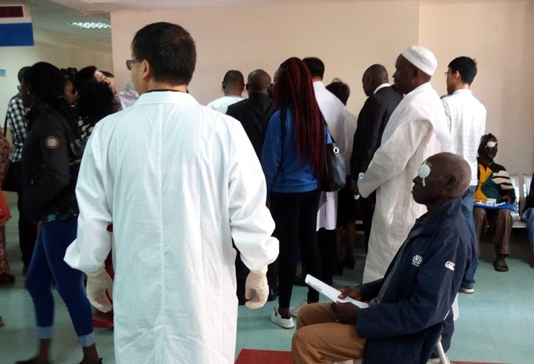 Coopération Chine-Burkina: 135 millions de médicaments pour l'hôpital de Tengandogo