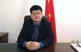 Coopération sino-burkinabè: L'ambassadeur Li Jian s'est incliné sur les tombes de 9 Chinois à Koudougou