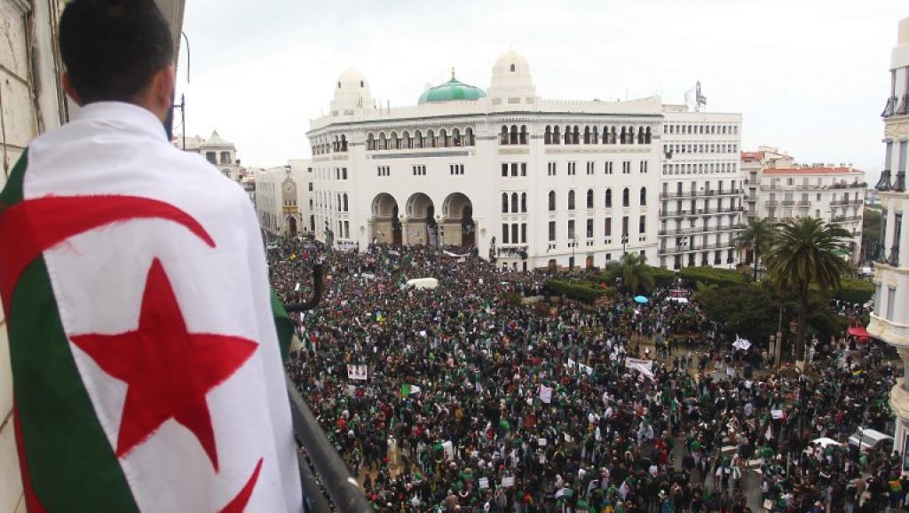 Démission de Bouteflika avant le 28 avril: Une transition piégée en héritage