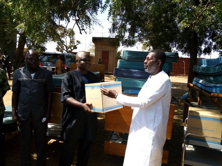 Don d'équipements médicaux aux centres de santé de Koubri et Saaba: Un bon samaritain nommé Bala Sakandé