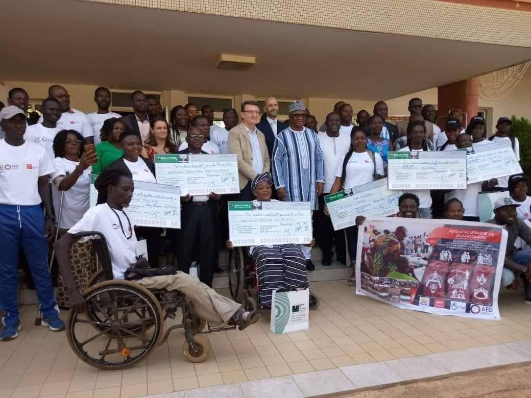 Développement communal: Ouaga cadeaute 27 associations de 40 briques
