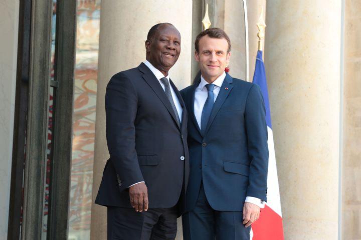 Macron à Bouaké, 15 ans après le bombardement: On efface tout et on recommence, malgré les zones d'ombre?