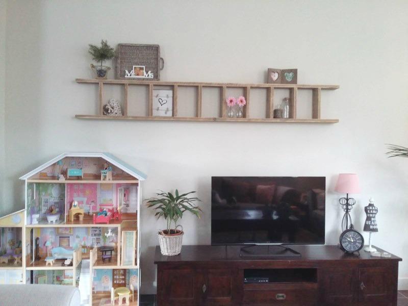 ladder boven de tv