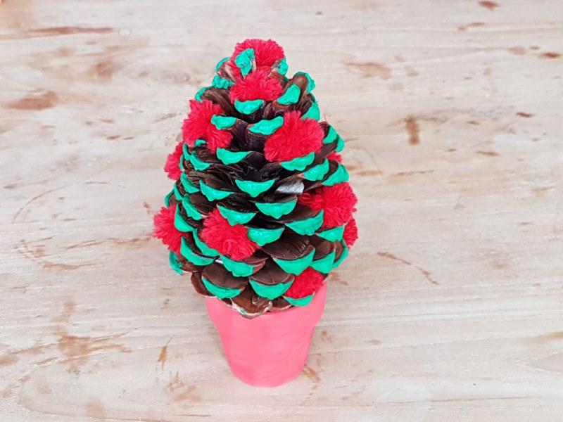 Diy Knutsel Een Dennenappel Kerstboom Leuk En Makkelijk