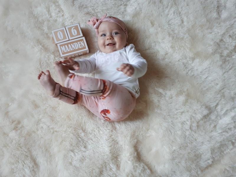 baby half jaar