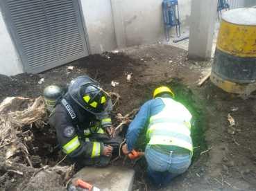 Atienden Bomberos de Toluca fuga de gas en la colonia Ferrocarriles Nacionales
