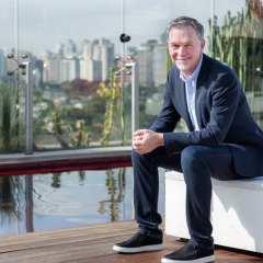Em visita a São Paulo, Reed Hastings, co-fundador e CEO da Netflix, anunciou Samantha!, nova produção original