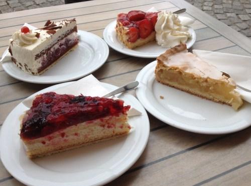 Four cakes in Uerdingen