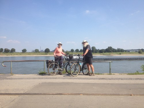 Wow and Jan at Rhein
