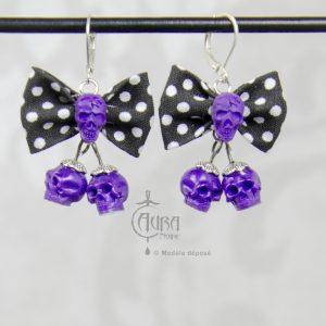 boucles d'oreilles psychobilly nœud noir à pois et duo de tête de mort - violet