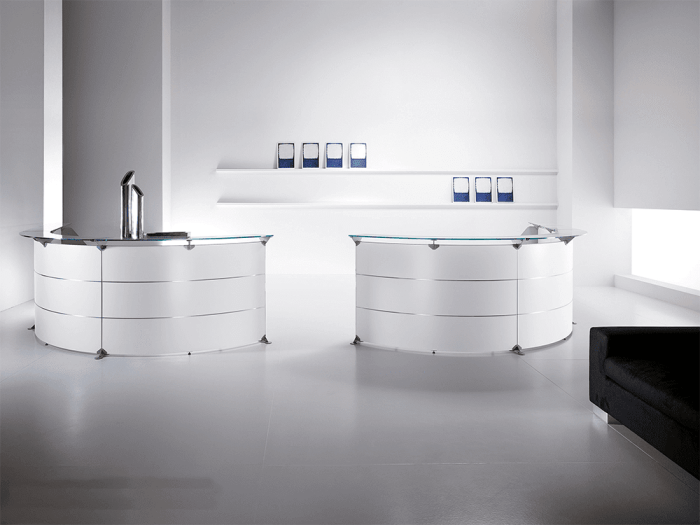 Benito 8 – Curved Reception Desk with Aluminium Stripes