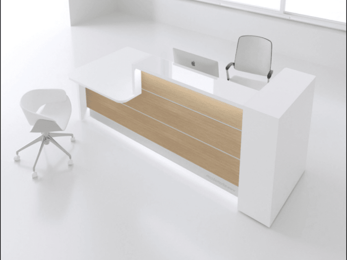 Alba 6 – Reception Desk with Wheelchair Access Unit in Canadian Oak Front