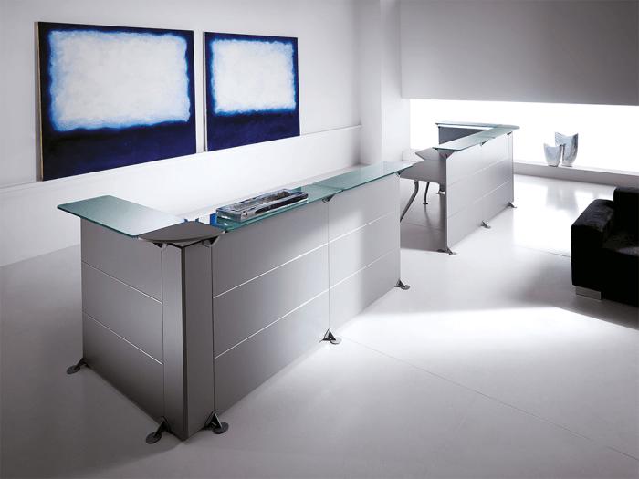 Benito 9 – Reception Desk in Aluminium Finish