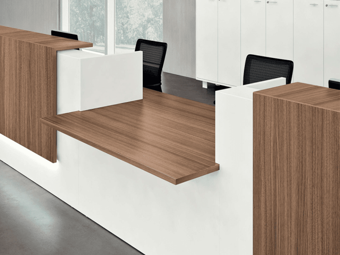 Nero 3 - Straight Reception Desk with Middle Low Counter