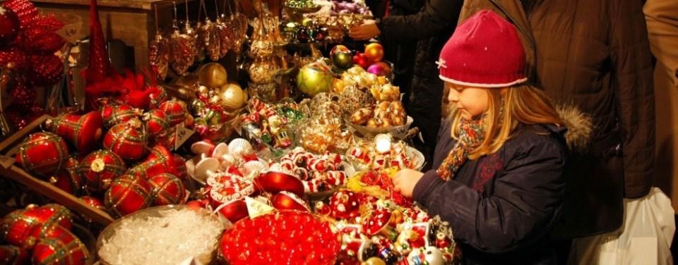 Vienna Schoenbrunn Palace Christmas Market