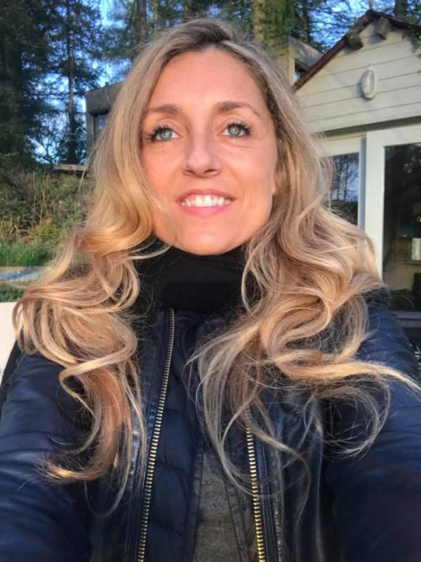 Doria Gani Author