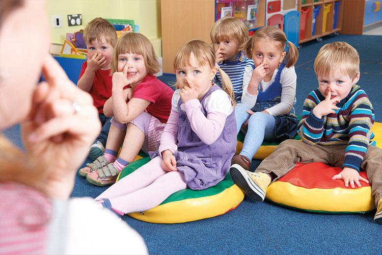 Berufliche Schule Paula Fuerst der FAWZ gGmbH_ Ausbildung Sozialassistenten_Sozialpaedagogik_Lernen mit Kindern