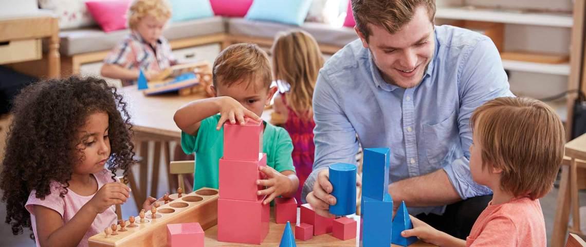 Berufliche Schule Paula Fuerst der FAWZ gGmbH_Header_Spezialisierung Montessori-Paedagogik